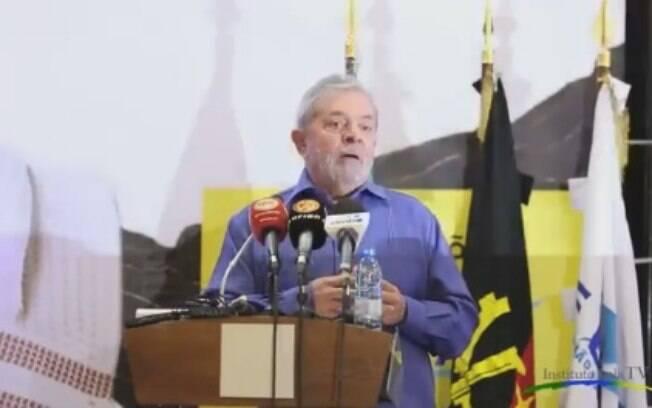 Ex-presidente Lula em palestra que político é acusado pelo MPF de não ter realizado em Luanda, na África, em maio de 2014