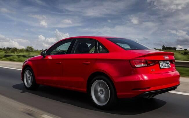 Audi A3 Sedan mudou pouco na parte traseira, que recebeu apenas novos detalhes no para-choque e lanternas