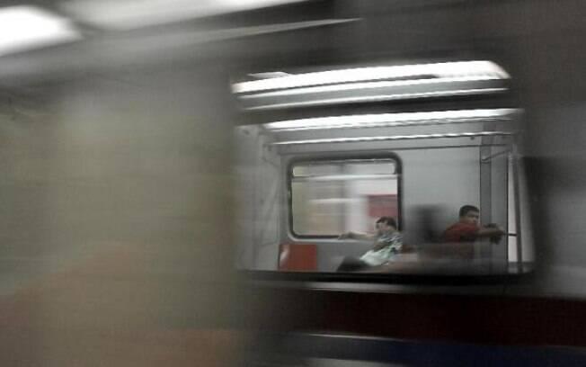 Justiça determina que metroviários paulistas trabalhem nos horários de pico durante a greve marcada para quarta-feira (27)