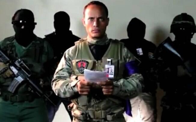 Não ficou claro como um helicóptero militar  circulou em torno dos edifícios de extrema importância de Caracas