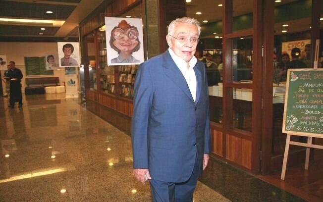 Chico Anysio lançando DVD da Globo Marcas com seus principais personagens