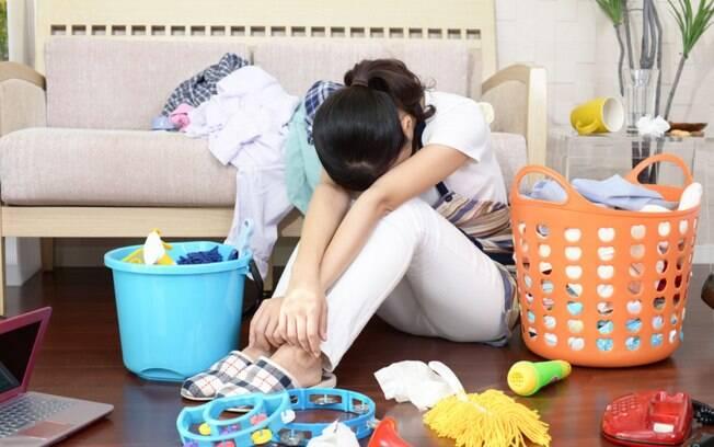 Entenda o que é a Síndrome da Mulher Maravilha, causada pela exaustão feminina