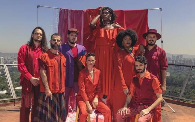 Liniker e os Caramelows se apresentam em novo palco do GQ Vozes, em São Paulo