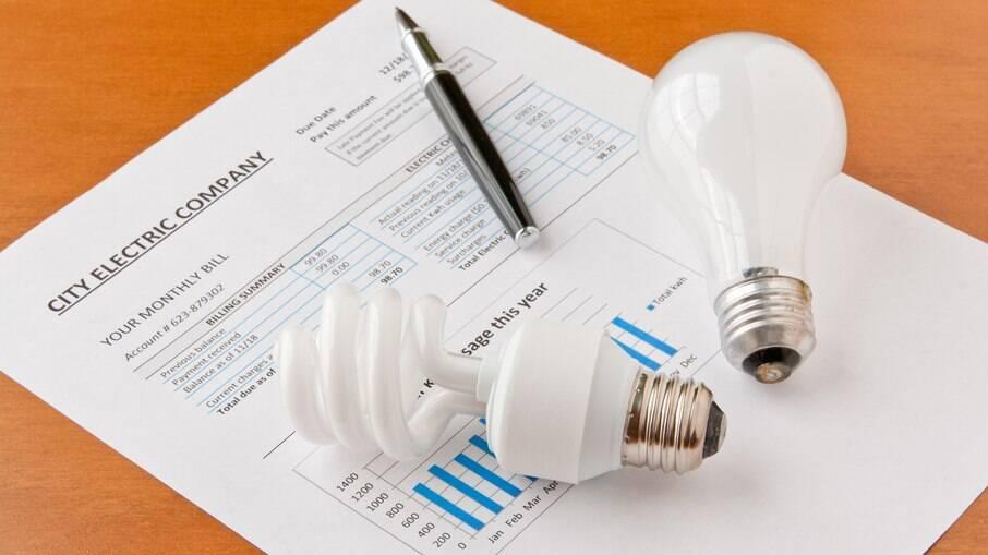 Conta de luz fica ainda mais cara no mês de junho, diz Aneel