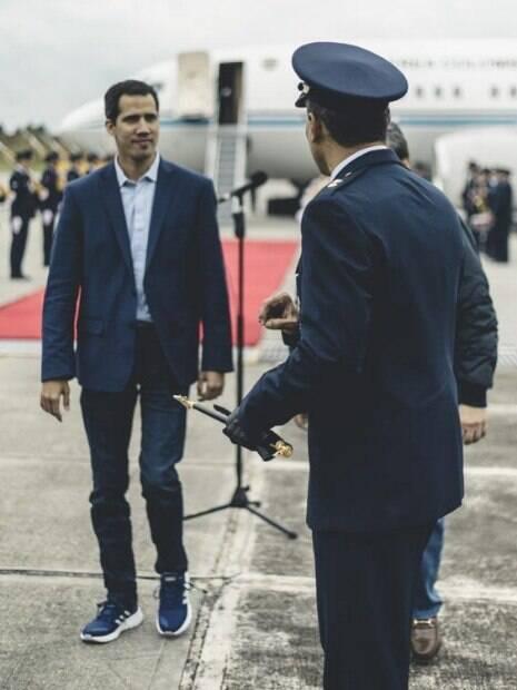 Juan Guaidó chegou à Colômbia, onde discutirá crise na Venezuela