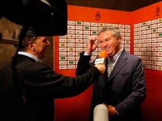 Guus Hiddink assumirá a seleção da Holanda após a Copa do Mundo