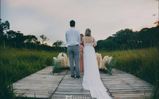 Já pensou realizar uma festa de casamento sem nenhum convidado?