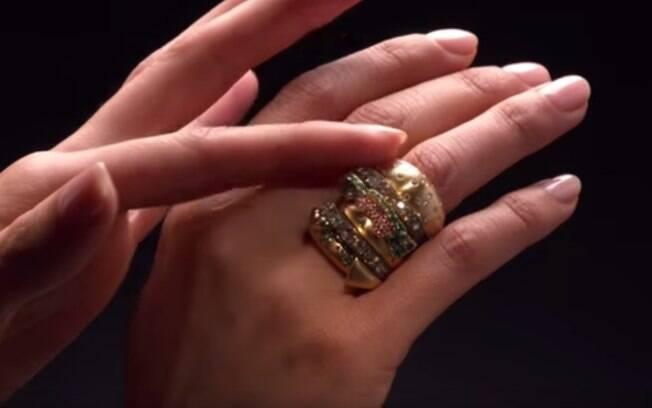 Segundo o McDonald's, anel inspirado no Big Mac é avaliado em cerca de US$ 41 mil