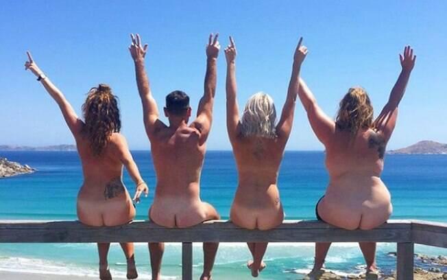 A página 'Get Naked Australia' publica fotos de pessoas posando peladas em paisagens naturais ao redor do mundo