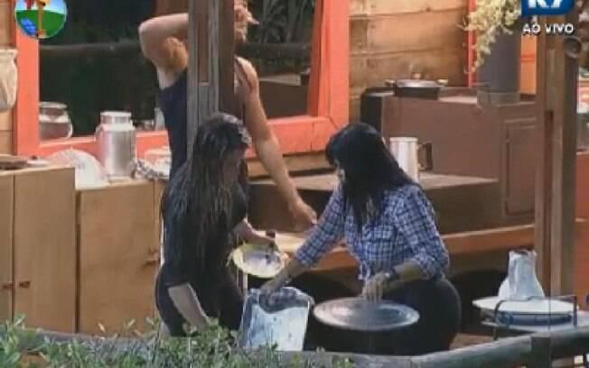 Gretchen diz para peões que quer deixar Celeiro arrumado para sua volta
