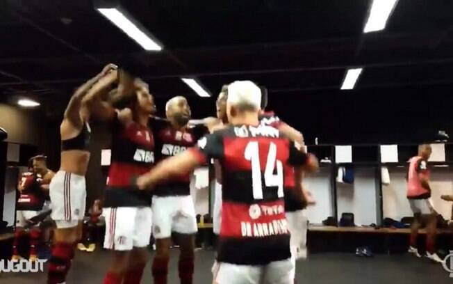 Sormani critica música cantada no vestiário do Flamengo após vitória contra o Palmeiras