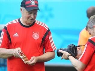 Placa foi fotografa por integrantes da comissão técnica da Alemanha na Arena Fonte Nova