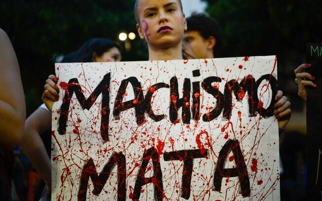 Mulheres fazem ato contra cultura do estupro no Rio de Janeiro