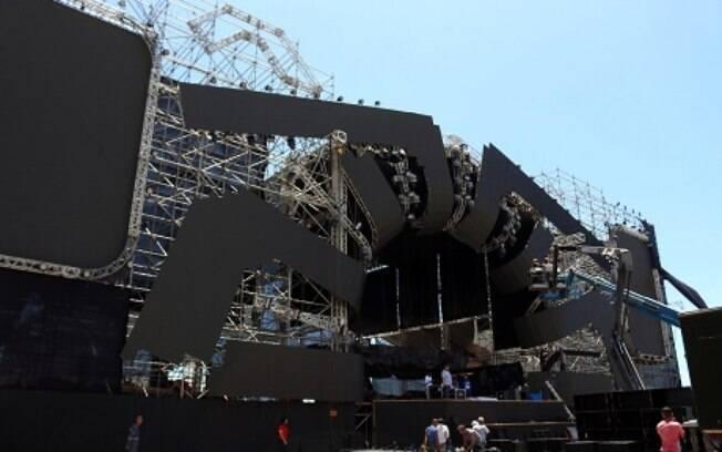 Estrutura do palco que vai receber o Festival Virada Salvador. Por lá, o público vai dançar e comemorar o Ano Novo