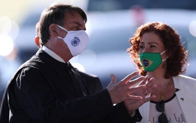 Bolsonaro raramente usa máscara em público