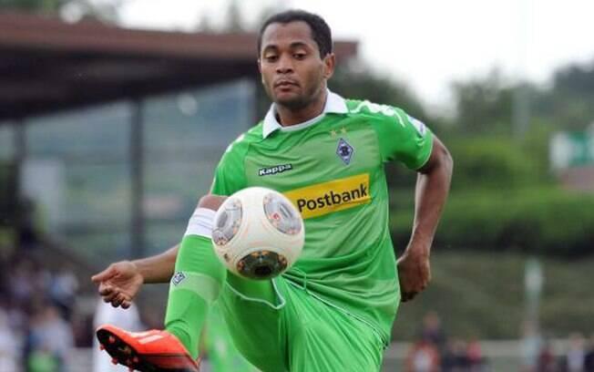 O meia Raffael trocou de clube na Alemanha:  do Schalke para o Borussia M'gladbach