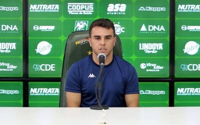 Andrigo deve desfalcar Guarani no jogo contra o Náutico