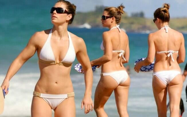 O corpo de Jessica Biel, atriz casada com Justin Timberlake, também faz sucesso com a mulherada que vai ao consultório de Rey