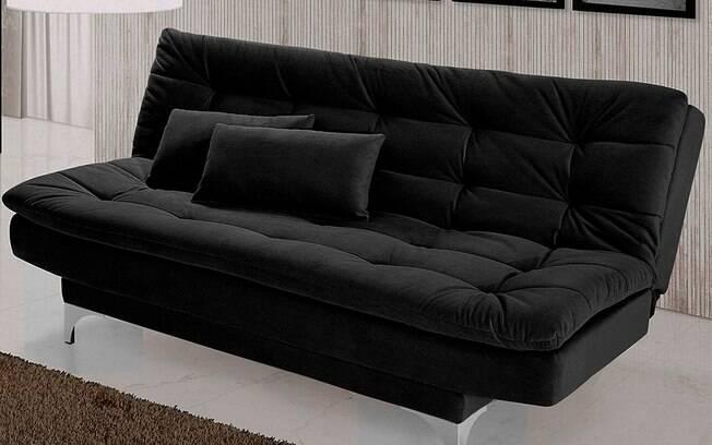 O sofá-cama, como o próprio nome já diz, permite transformar um item em outro com muita facilidade em locais menores