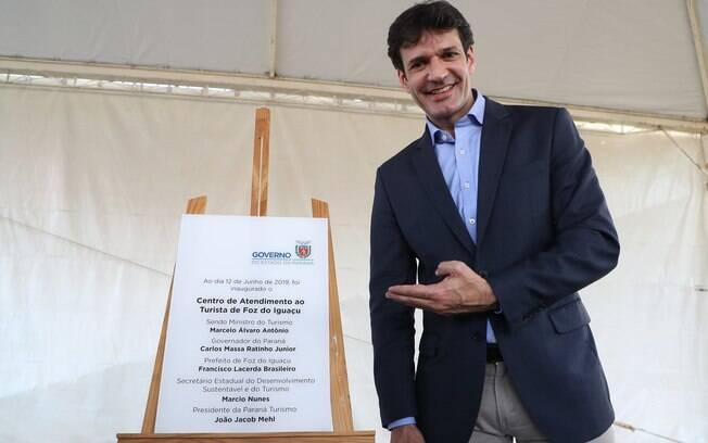 Ministro do Turismo está em meio de investigação sobre candidaturas laranjas do PSL em Minas Gerais