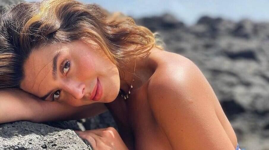 Giovanna Lancellotti é vacinada contra Covid-19