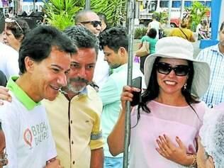 Comunidade.  Autoridades visitam a feira no bairro Novo Eldorado