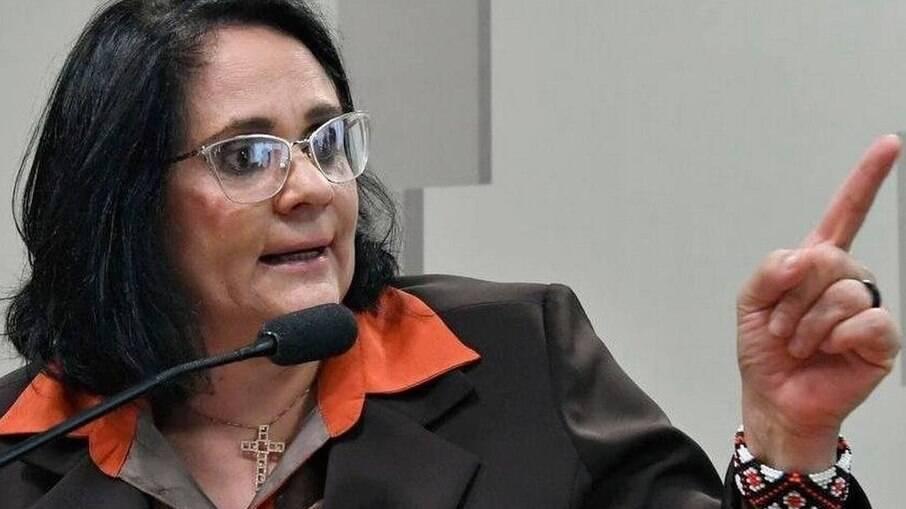 Ministra Damares Alves participou da divulgação dos dados