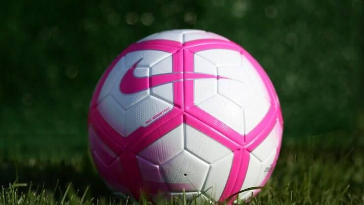 9b7e063a4a CBF promove Outubro Rosa em design de bola no Brasileirão - Futebol - iG