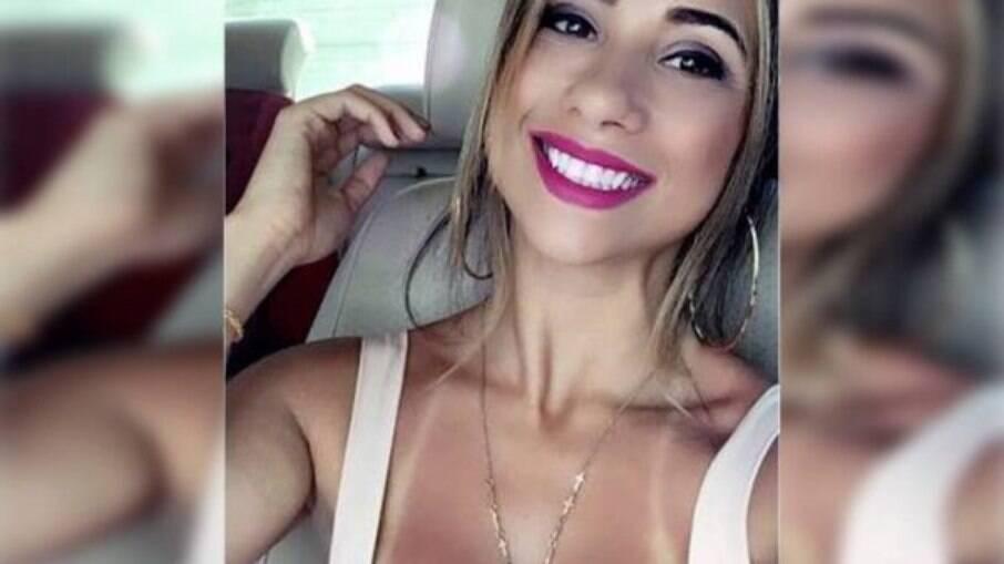 Paola da Silva Daniel, esposa do deputado Daniel Silveira (PSL-RJ)