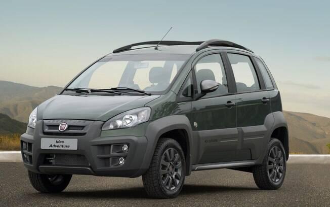 Minivan com apelo aventureiro é o que mais de aproxima de um SUV da Fiat que custa igual ao Mobi 1.0 básico novo em folha
