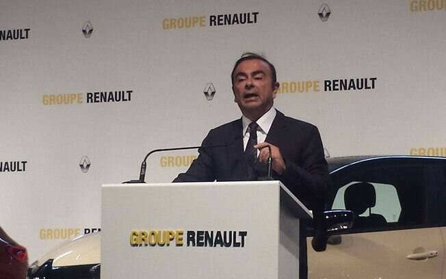 Carlos Ghosn, CEO mundial da Renault-Nissan, revela que a Renault irá lançar Kwid, Koleos e Captur em 2017, apostando mais no segmento de SUVs no Brasil.