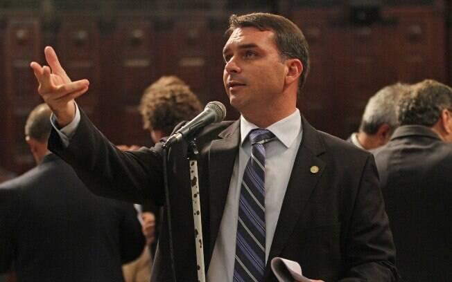 Segundo Flávio Bolsonaro, que se encontrou com Paulo Guedes, o Senado está receptivo à reforma da Previdência