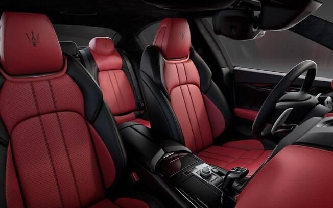 Preto e vermelhor é a pedida também no exterior do Maserati Ghibli Ribelle
