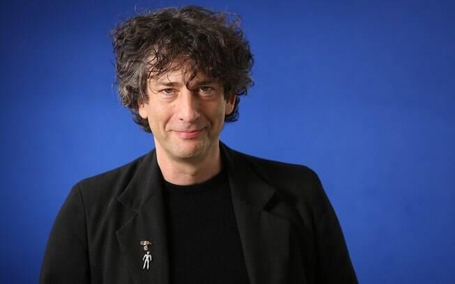 Como Neil Gaiman extrapolou rótulo de autor e virou um personagem midiático?