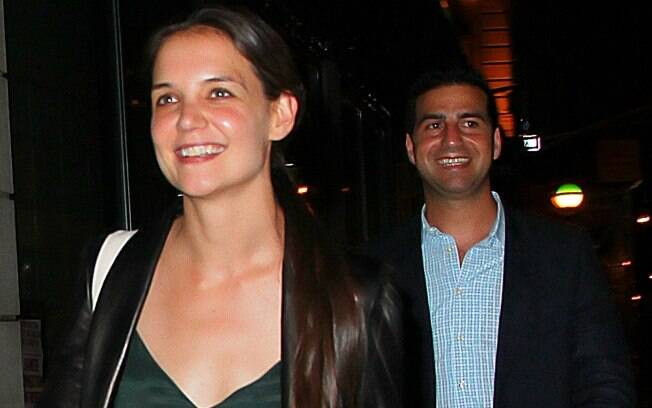 Katie Holmes deixando um restaurante em Nova York