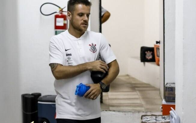 Ramiro%2C meio-campista do Corinthians