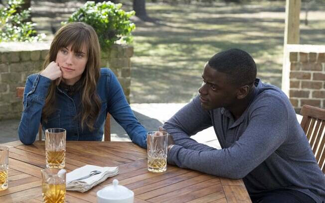 Allison Williams e Daniel Kaluuya em cena no fime