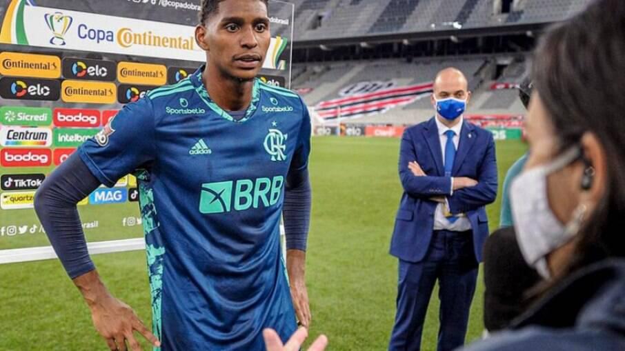 Hugo Souza entra na mira do Ajax