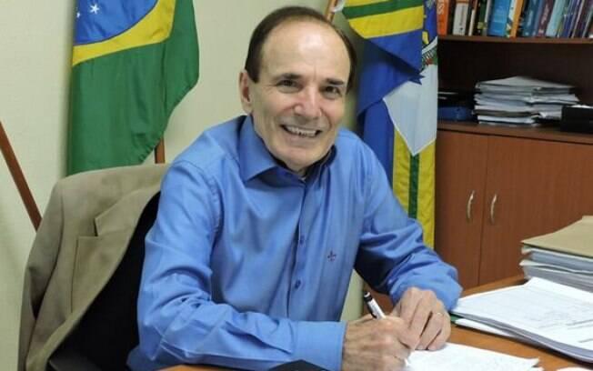 Antônio Silva revogou decreto permitiria a abertura do comércio em Varginha. Um dia depois, renunciou ao cargo.