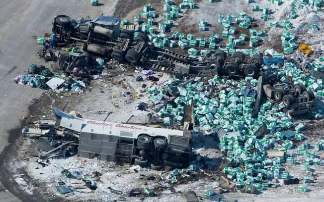 O ônibus do Humboldt Broncos ficou destruído após acidente fatal