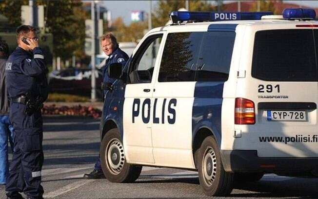 A polícia respondeu ao ataque com arma de fogo