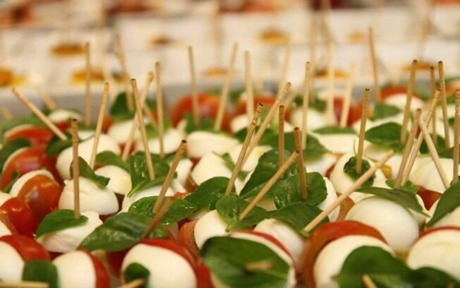 Cinquenta comidinhas de ver o para o buffet do casamento for Entradas francesas
