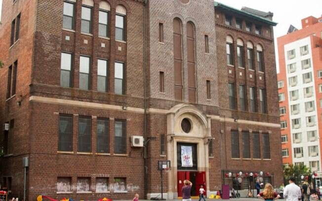 prédio marrom