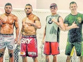 Na Flórida.    Borrachinha ao lado de Belfort, Mutante e Rodrigo Cavaca