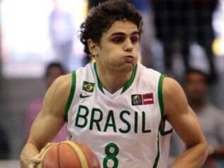 Ex-atleta do Minas e atualmente no Lagun Aro-ESP, jogador sonha em disputar a liga de basquete mais forte do mundo