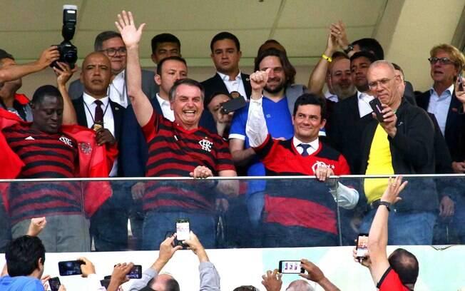 Bolsonaro e Moro assistiram a um jogo do Flamengo juntos no estádio Mané Garrincha, em Brasília, em 12 de junho
