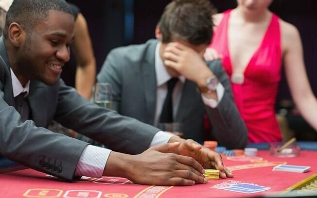 Aposta perdida no pôquer rendeu nome novo ao jogador de 22 anos