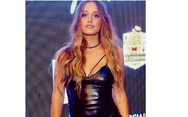 Bruna Griphão mostra toda sua beleza em cliques sensuais na web