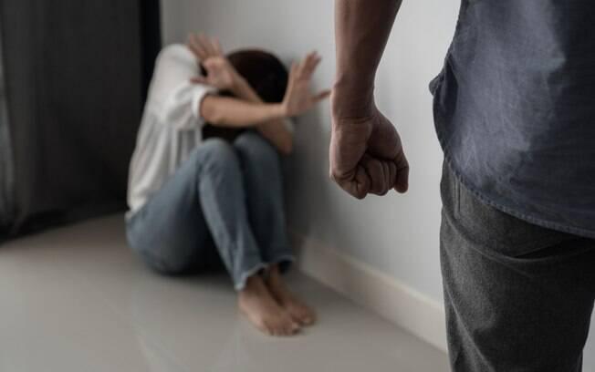Pesquisa da Universidade de Oxford mostra que homens viciados em álcool e drogas cometem mais violência doméstica
