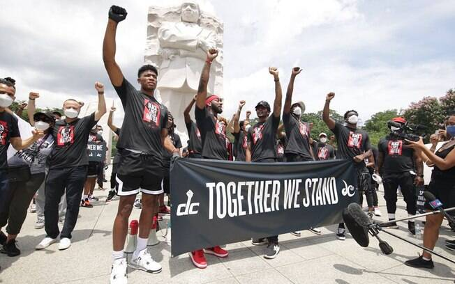 Atletas da NBA participaram ativamente dos protestos pela morte de George Floyd